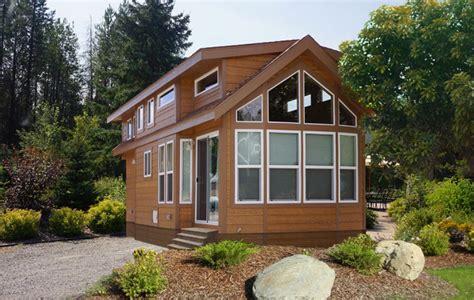 park model homes creekside loft park model homes and creekside cabins 43387