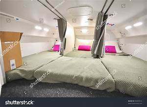 Pics For > Boeing 787 First Class Cabin