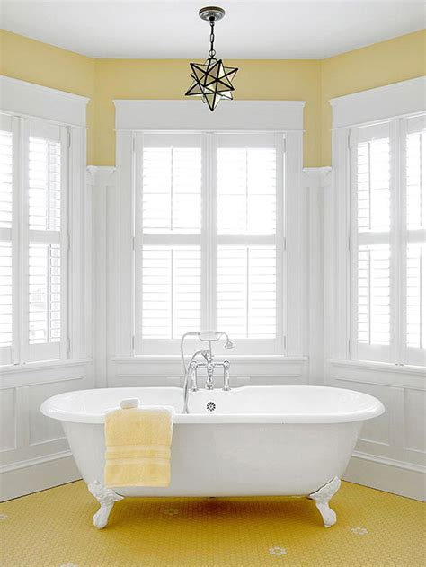 Bathroom Ideas Yellow Walls by Yellow Bathroom Decorating Design Ideas