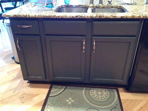 surplus kitchen cabinets repainted my kitchen island in benjamin wrought iron 2618