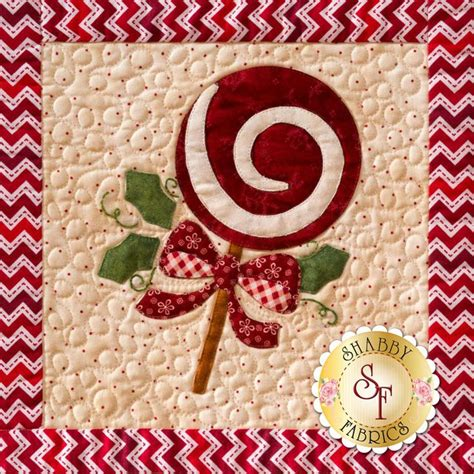 shabby fabrics christmas keepsakes 63 best christmas quilt patterns images on pinterest