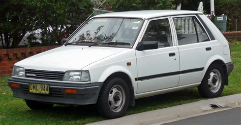 Daihatsu Charade by Images