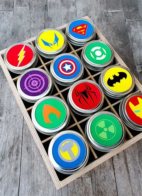 easy fathers day superhero gift   printable