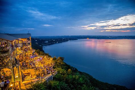 Best Lake Travis Lakeside Restaurants
