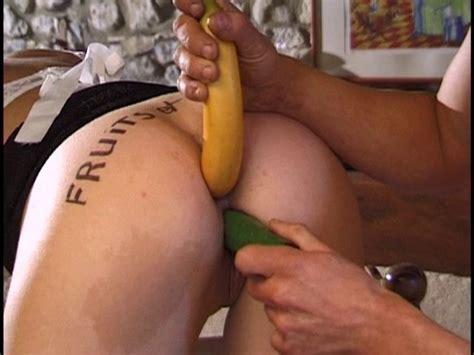 Une Petite Banane Dans Le Cul Et Les 5 Fruits Et Légumes