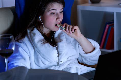 Late Night Eating Bad For Gut, Maybe Worse For Brain