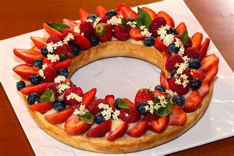 tarte couronne aux fruits rouges 224 la cr 232 me au basilic