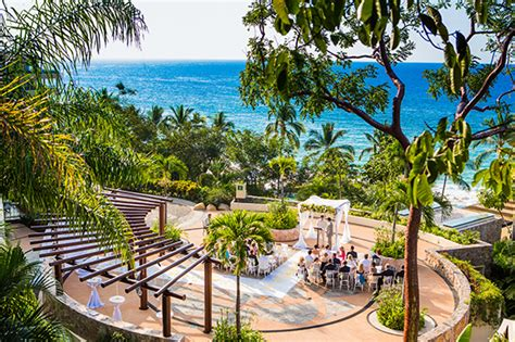 A Cheerful Beachside Wedding In Puerto Vallarta, Mexico