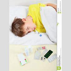 Krankes Kind Im Bett Clipart Startseite Design Bilder
