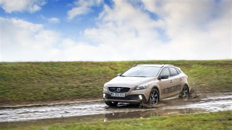 Volvo V40 Cross Country Backgrounds by New Car Volvo V40 Cross Country Wallpapers And Images