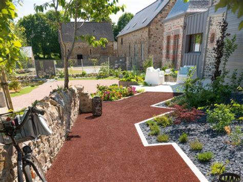 chambre cottage aménager une cour moderne avec une composition de graviers