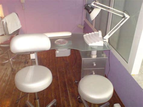 AB stol za manikiranje  nadogradnju umjetnih noktiju 617 x 463 · jpeg