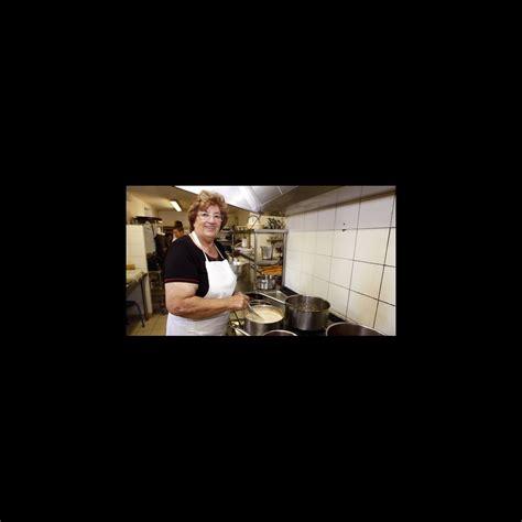 la cuisine des mousquetaires anguille maïté et sa complice micheline de retour en cuisine ce