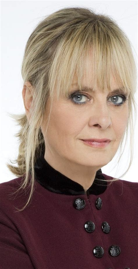 pin by fashion boomer on hairstyles for boomers twiggy