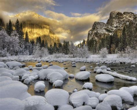 Amazing World Yosemite National Park California