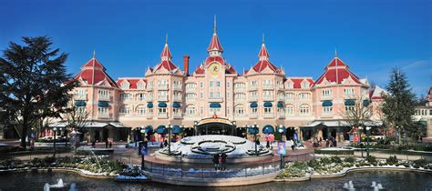 a guide to the hotels in disneyland paris click go