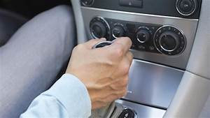 What Is The Difference Between Automatic And Manual Cars