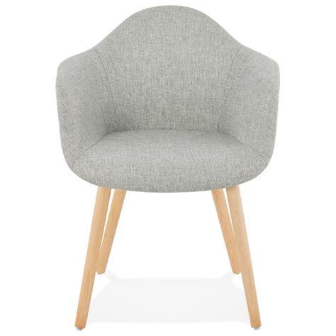 chaise scandinave avec accoudoir chaise design scandinave avec accoudoirs ophelie en tissu gris clair