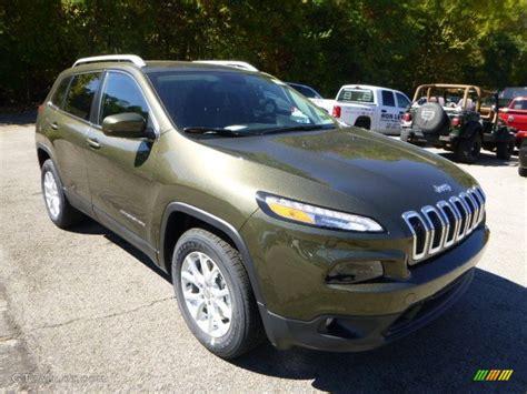 trailhawk jeep green 2015 eco green pearl jeep cherokee latitude 4x4 97645832