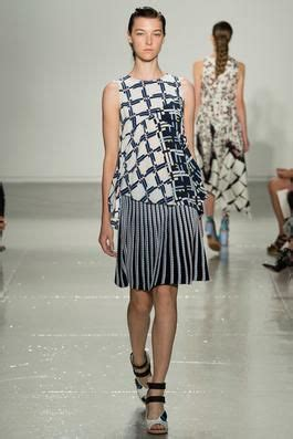 Suno Spring 2015 Ready-to-Wear Fashion Show: Complete ...