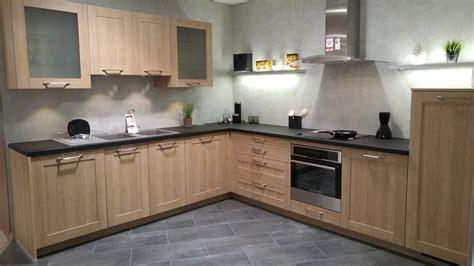 cuisine mi bois cuisine bois blanc unique cuisine en bois massif moderne 11 cuisine bois et blanc décoration d