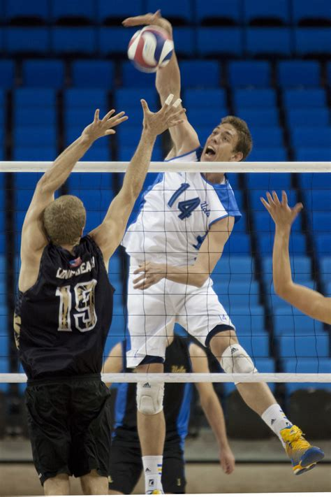 ucla mens volleyball struggles offensively    loss