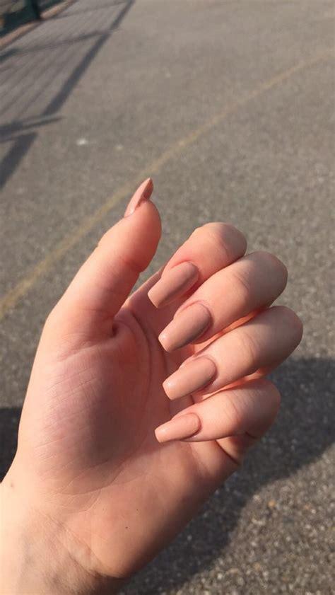677 likes · 10 talking about this. 10 colores de uñas perfectos para morenas   Mujer de 10