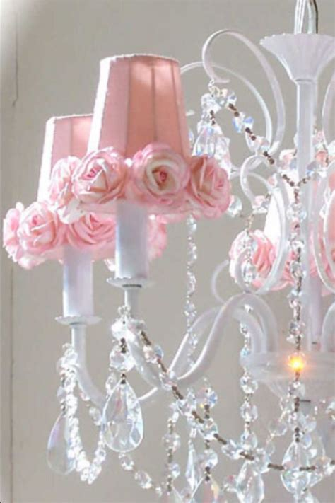 Shabby Chic Kronleuchter by 43 Best Images About Shabby Chic Chandeliers On