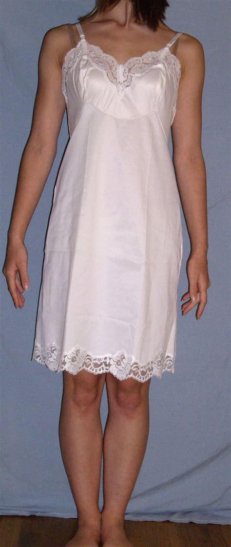 vintage 1970 vanity fair white slip new nwt taffeta sz 34 from missjewel on ruby