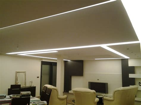 pose spot led plafond plafond en staff avec int 233 gration d 233 clairage 224 led staffeur ornemaniste