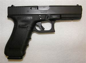 Glock 17 Gen 4 9mm Pistol with Shooting Range Bag (New ...