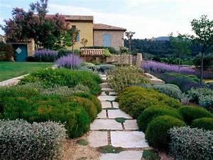 Schöne Gärten Anlegen : garten im mediterranen stil anlegen lavendel als akzent garten pinterest mediterran ~ Markanthonyermac.com Haus und Dekorationen