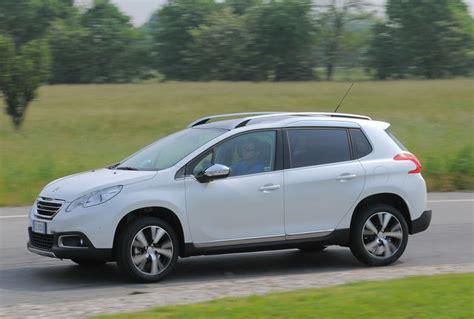 Al Volante Peugeot 2008 Prova Peugeot 2008 Scheda Tecnica Opinioni E Dimensioni 1
