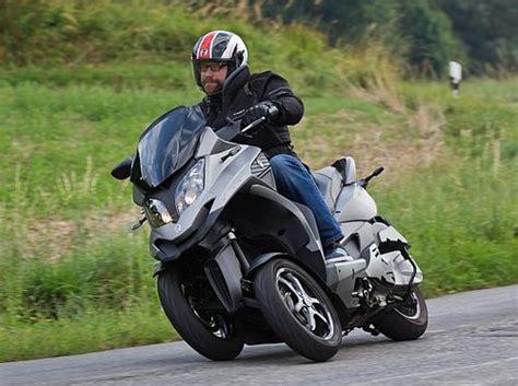 motorroller mit 3 rädern waz 252 ber den neuen dreirad roller quadro roller motorroller quads scooter atv kymco