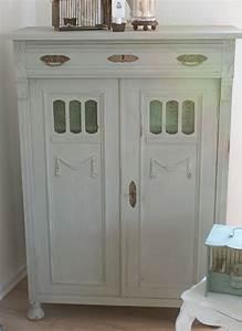 Alte Möbel Streichen Shabby Chic : wundervolles alte vertiko mit annie sloan chalk paint ~ Watch28wear.com Haus und Dekorationen