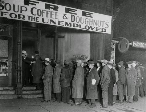 Men In Line At Al Capones Soup Kitchen Chicago 1930