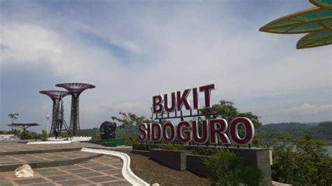 bukit sidoguro destinasi wisata alam   kabupaten