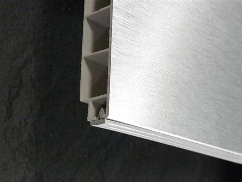 joint plinthe cuisine socles alu finition de cuisine pas chère socle alu h16 5