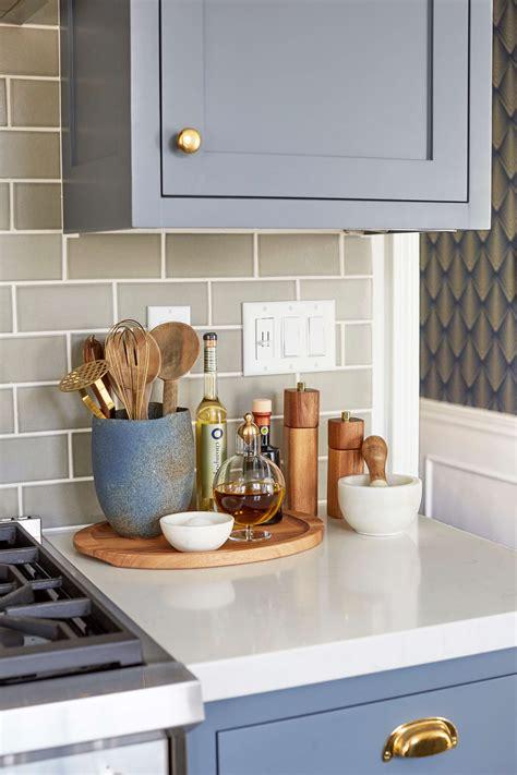 ways  style  ugly renters kitchen design inspo