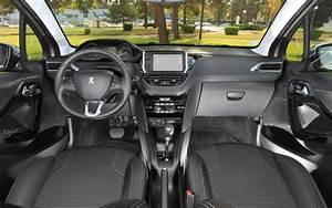 Entretien Périodique Peugeot 208 : peugeot 208 restyl e plus diff rente qu 39 il n 39 y para t l 39 automobile magazine ~ Medecine-chirurgie-esthetiques.com Avis de Voitures