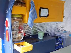 Man Lives Inside Tiny Bicycle Camper You Won39t Believe
