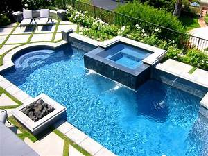 Photo page hgtv for Swimming pool and spa design