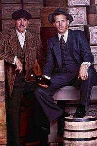Sean Connery as Jim Malone and Kevin Costner as Eliot Ness ...