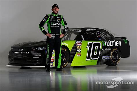 ross chastain  compete  xfinity title   rides
