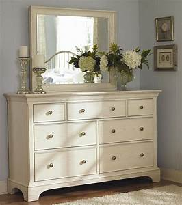 Bedroom dresser decorating ideas diy better homes for Bedroom dressers