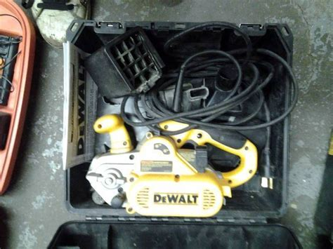 dewalt belt sander dw433k 3 inch x 21 inch belt with works well home garage tools