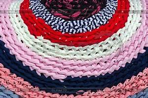 Teppich Mit Namen : gestrickte bunte rustikale teppich foto mit hoher aufl sung cliparto ~ Eleganceandgraceweddings.com Haus und Dekorationen