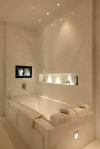 les 25 meilleures idees de la categorie salle de bain With carrelage adhesif salle de bain avec spot rectangulaire led