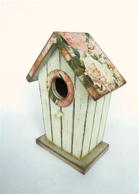 shabby chic birdhouse 17 best ideas about shabby chic birdhouse on pinterest birdhouses bird houses painted and