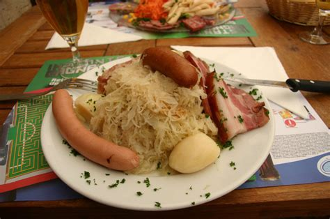 cuisine alsace fichier choucroute garni jpg wikipédia